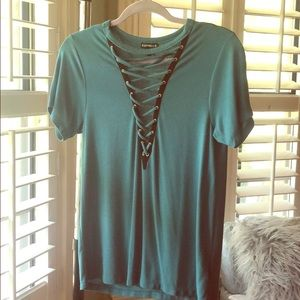 Express laced front top